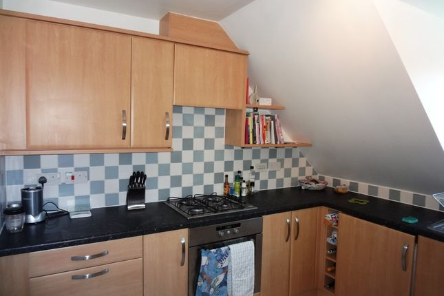 Thumbnail Flat to rent in Hanbury Square, Petersfield
