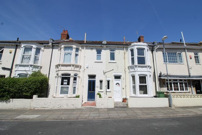 Thumbnail Flat to rent in Aston Road, Southsea
