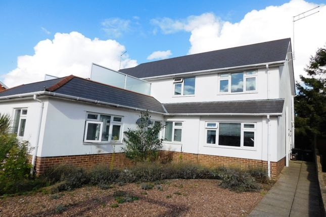 Thumbnail Flat to rent in Princes Road, Ferndown