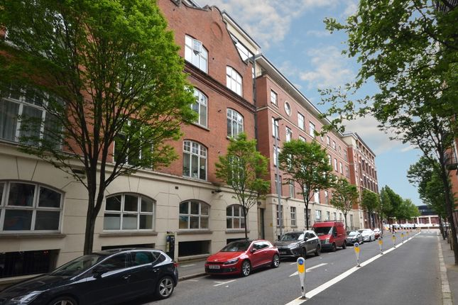 Thumbnail Flat to rent in Alfred Street, Belfast