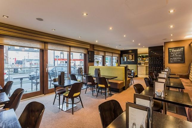 Thumbnail Restaurant/cafe for sale in The Promenade, Gallowgate Street, Largs, North Ayrshire