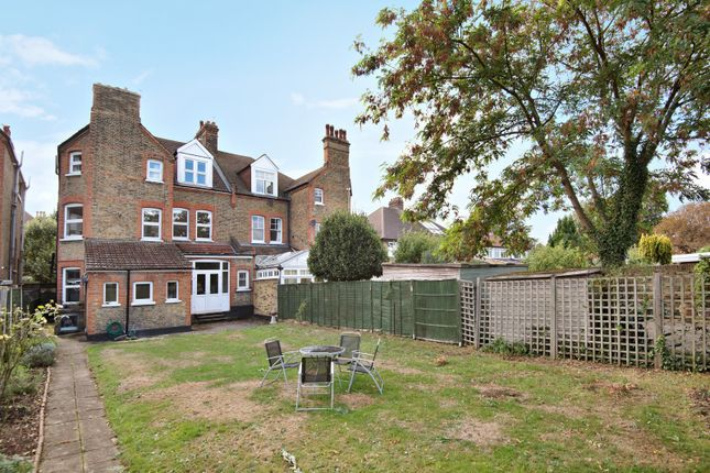 Thumbnail Property for sale in Ravenslea Road, London