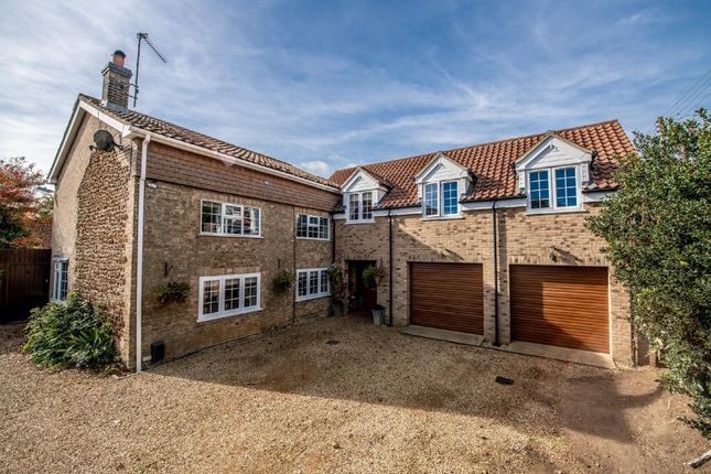 Thumbnail Cottage for sale in Lynn Road, East Winch, King's Lynn, Norfolk