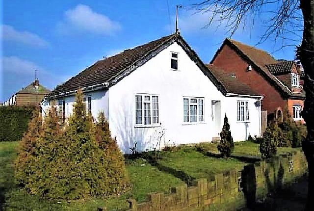 Thumbnail Detached bungalow for sale in Timsway, Staines