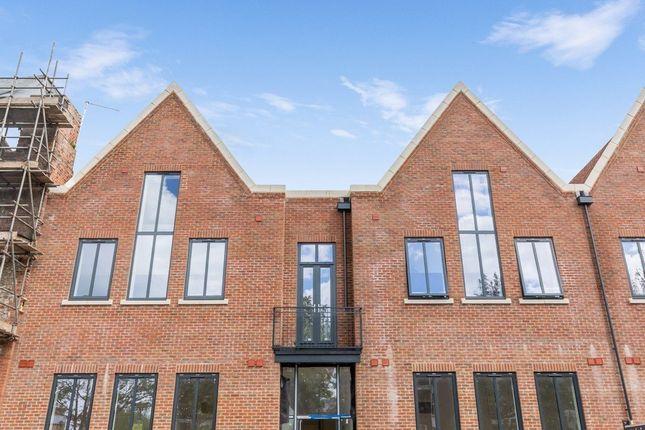 Thumbnail Maisonette for sale in Caxton House, Ham Road, Shoreham-By-Sea, West Sussex