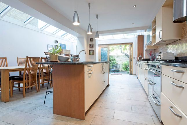 Thumbnail Terraced house for sale in Broxash Road, London