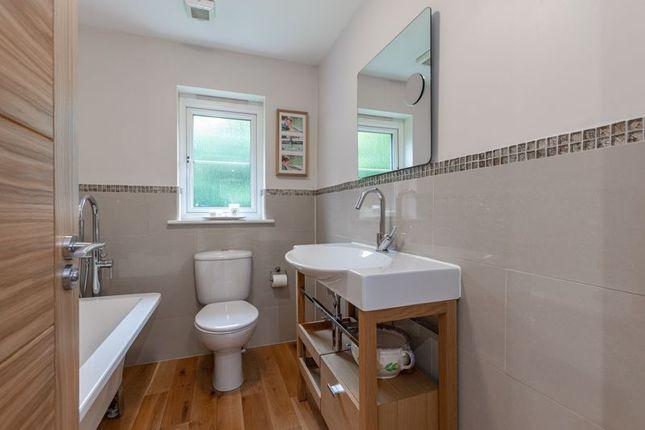 Family Bathroom of 32 The Beeches, Tweedbank, Galashiels TD1