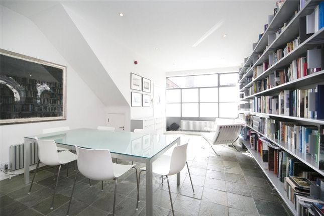 Thumbnail Mews house for sale in Baltic Street East, Clerkenwell
