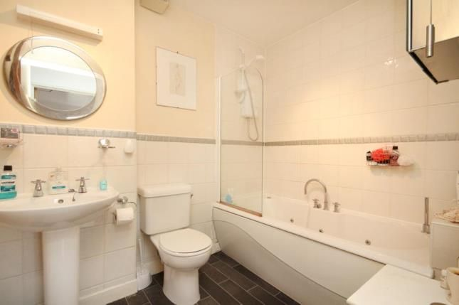 Bathroom of Pinsent, Millsands, Sheffield, South Yorkshire S3