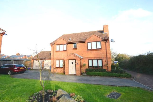 Thumbnail Detached house to rent in Emmets Nest, Binfield, Bracknell