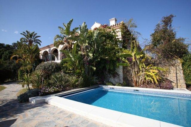 13 Pool of Spain, Málaga, Benahavís