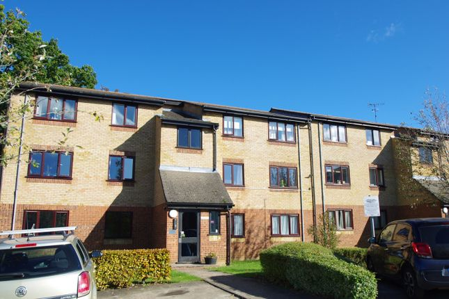 1 bed flat to rent in Chiswell Court, Sandown Road, Watford WD24
