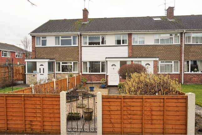 Thumbnail Terraced house for sale in Sackville Close, Stratford-Upon-Avon