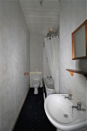 Bathroom of Causeyside Street, Paisley PA1