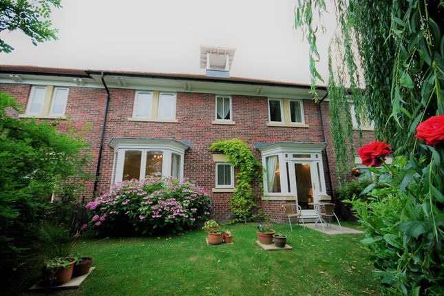 Thumbnail Property to rent in The Yonne, Chester
