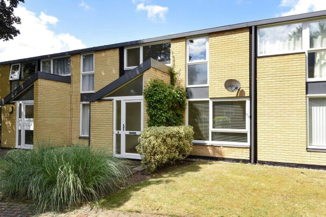 3 bed property for sale in Holme Chase, Weybridge