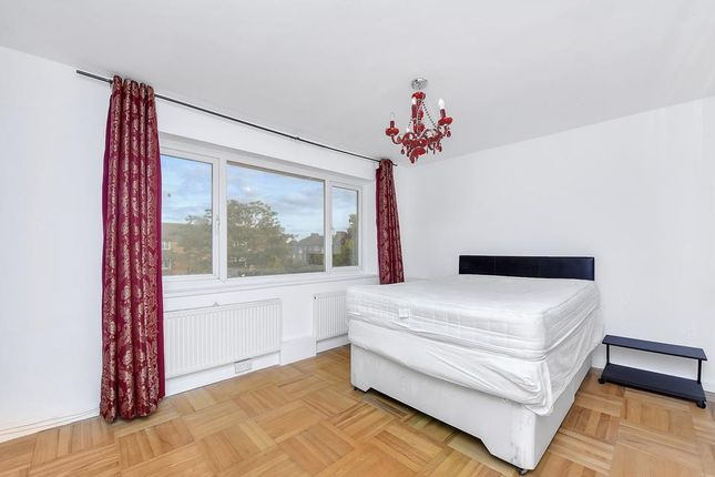 Thumbnail Flat to rent in Courtlands Avenue, London