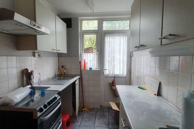 Kitchen of Bancroft Road, Luton LU3
