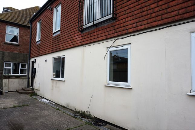 Thumbnail Flat for sale in Park Road, Folkestone