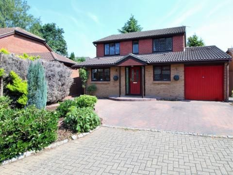 Thumbnail Detached house for sale in Cheylesmore Drive, Frimley