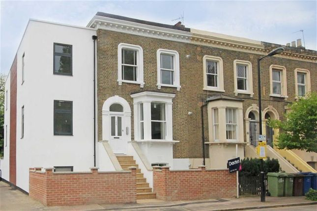 Thumbnail Flat to rent in Elmington Road, London