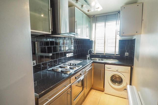 Kitchen of Clarendon Street, Hull HU3