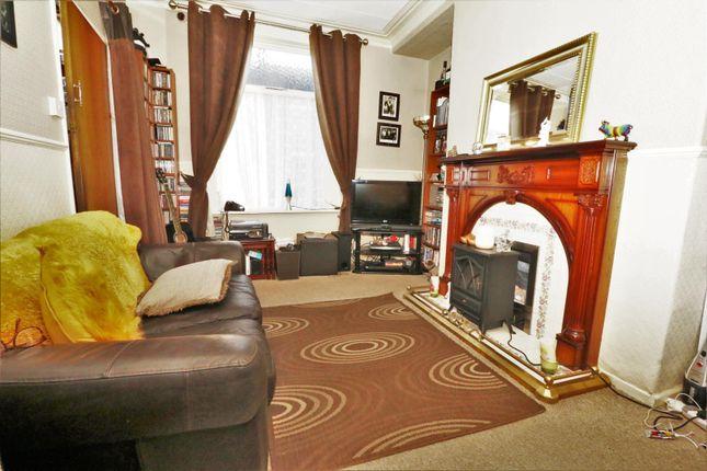 Lounge of Cragg Street, Bradford BD7