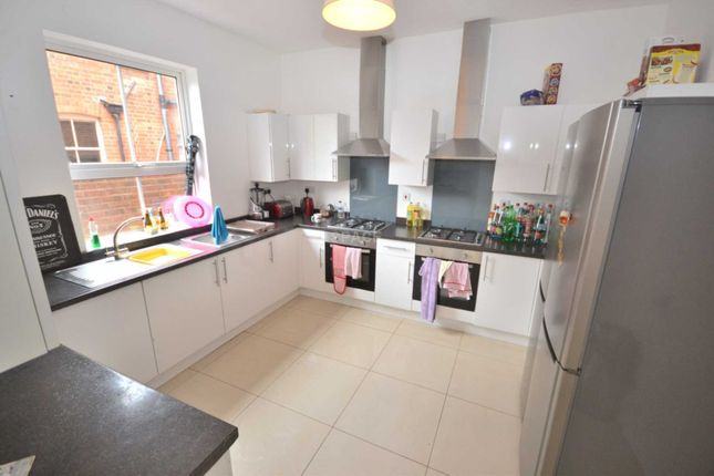 Thumbnail Detached house to rent in Erleigh Road, Reading, Berkshire
