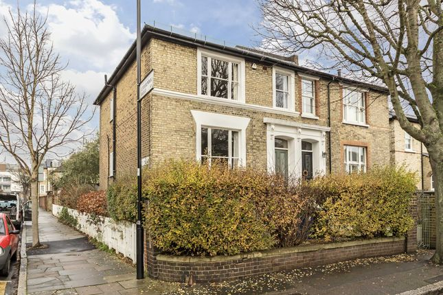 2 bed flat for sale in Ranelagh Road, London