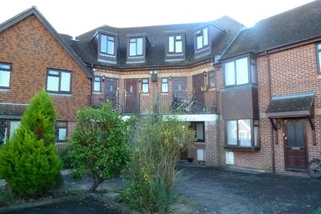 Thumbnail Maisonette to rent in Lyminster Road, Wick, Littlehampton