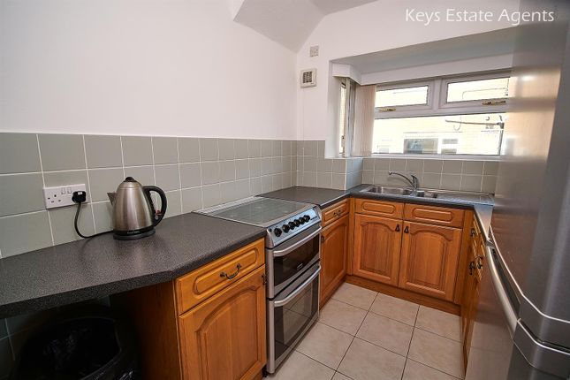Kitchen Ang1 of Uttoxeter Road, Blythe Bridge, Stoke-On-Trent ST11