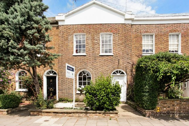 Thumbnail Terraced house to rent in Adelaide Square, Windsor