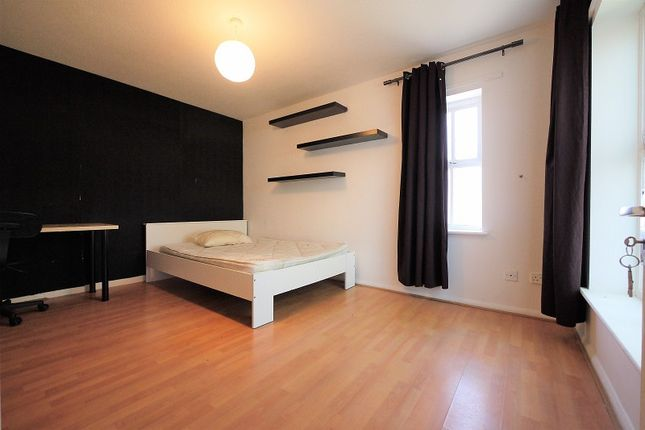 Thumbnail End terrace house to rent in Montpelier Place, Shadwell, London.