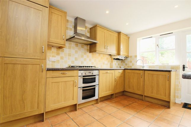 Picture No. 24 of Ramblers Cottage, Bucks Hill, Kings Langley, Hertfordshire WD4