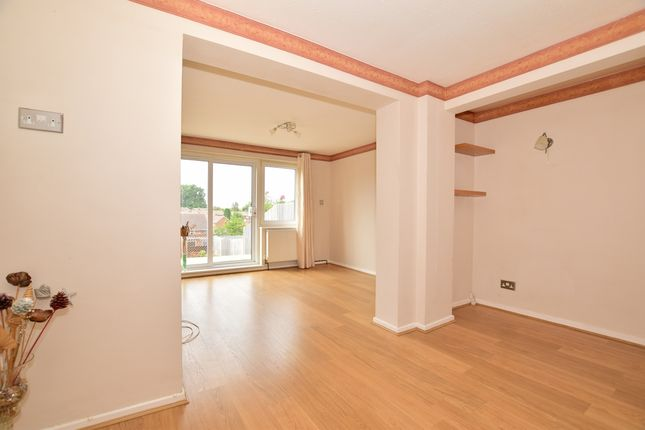 Thumbnail Semi-detached house to rent in Views Wood Path, Uckfield