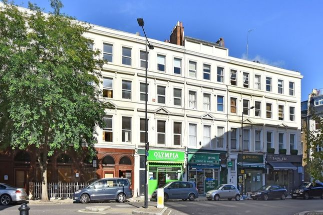 2 bed flat to rent in Maclise Road, West Kensington