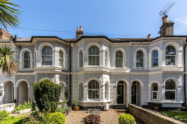 2 bed flat for sale in South Farm Road, Worthing, West Sussex BN14