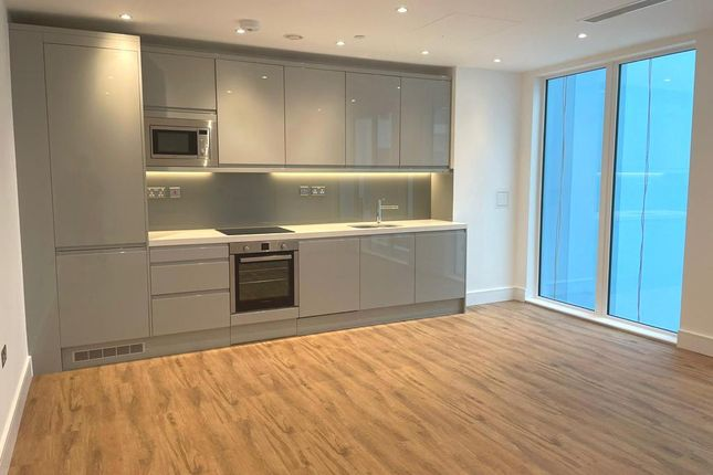 1 bed block of flats to rent in Westgate House, Hanger Lane W5