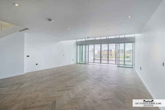 Thumbnail Flat for sale in London