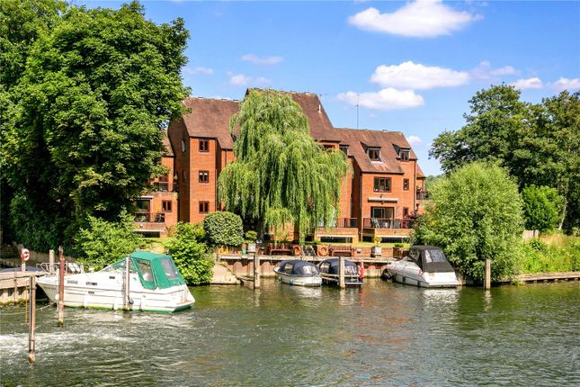 Thumbnail Flat for sale in Millbank, Mill Road, Marlow, Buckinghamshire