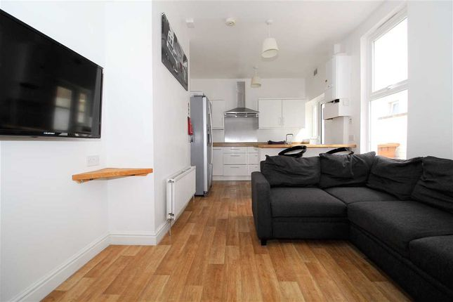 Thumbnail Property to rent in Eton Place, Plymouth