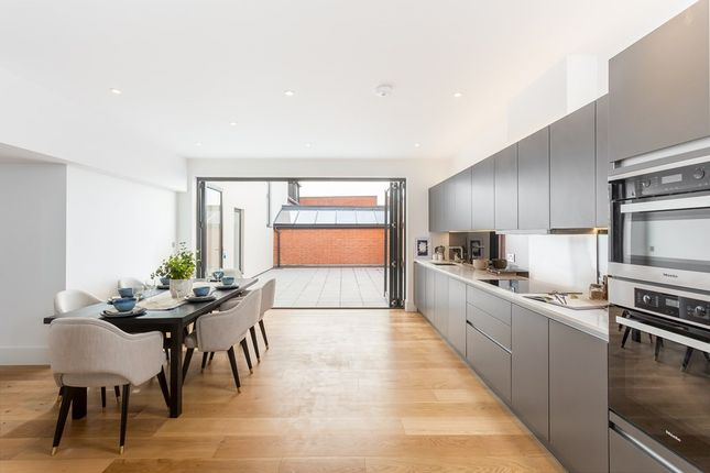 Thumbnail Flat for sale in Johnston Road, Woodford Green