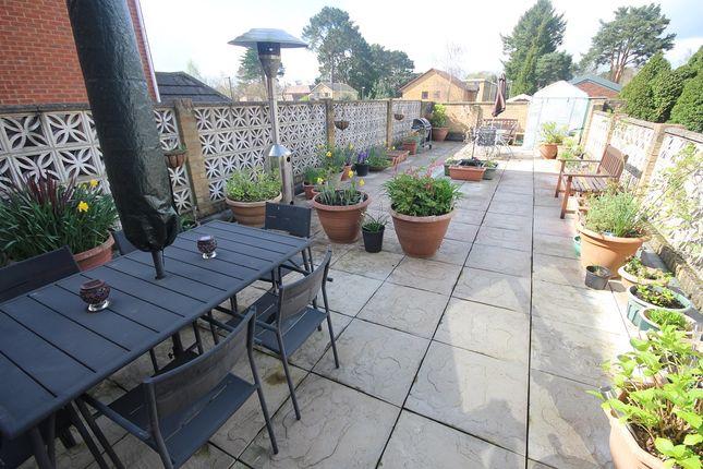 Thumbnail Maisonette to rent in Victoria Road, Ferndown