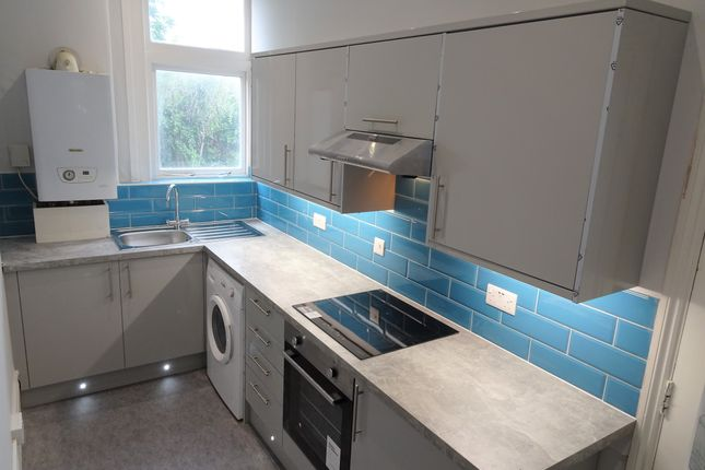 Thumbnail Flat to rent in Penge Road, South Norwood, London