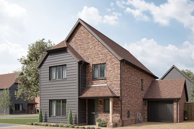 Thumbnail Detached house for sale in Town Road, Cliffe Woods