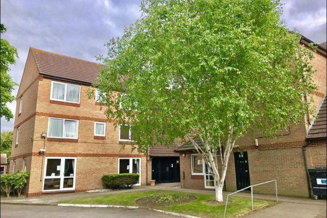 Thumbnail Flat to rent in Behive Lane, Gants Hill