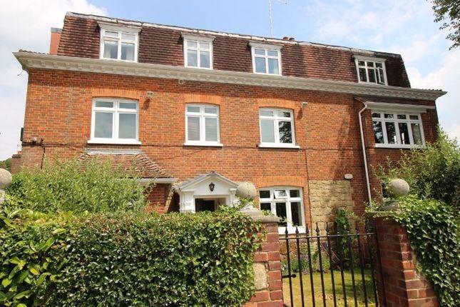 Thumbnail Flat to rent in Tree Lane, Plaxtol, Sevenoaks