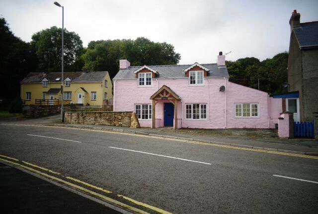 Thumbnail Cottage to rent in Dyffryn, Goodwick
