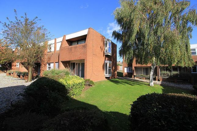 Thumbnail Studio to rent in Knightthorpe Court, Loughborough