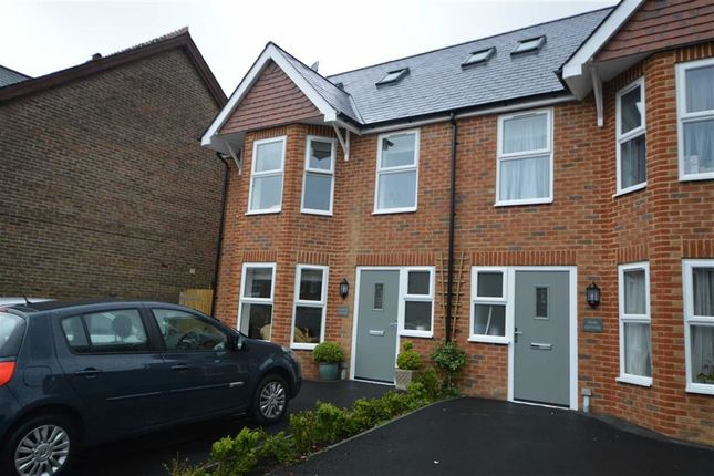 Thumbnail Semi-detached house to rent in Huntingdon Road, Crowborough